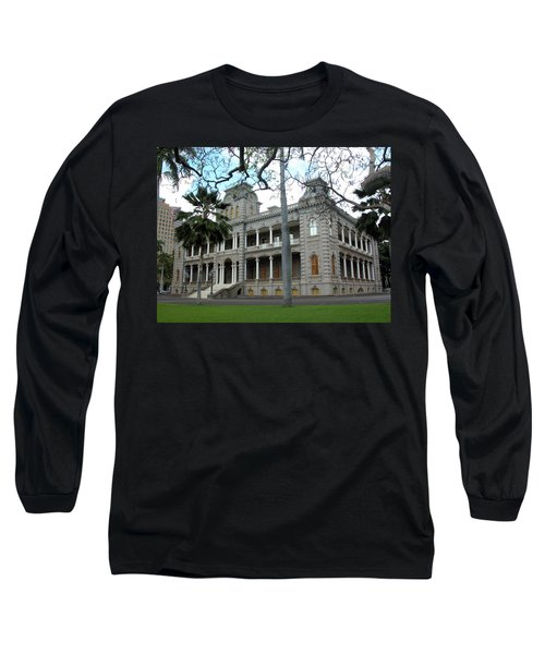 Long Sleeve T-Shirt featuring the photograph Iolani Palace, Honolulu, Hawaii by Mark Czerniec