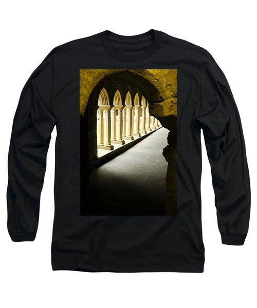 Iona Abbey Scotdland Long Sleeve T-Shirt