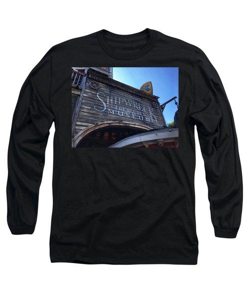 Key Museum  Long Sleeve T-Shirt