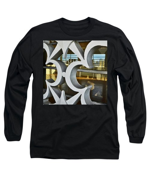 Kitsch Urban Details Long Sleeve T-Shirt