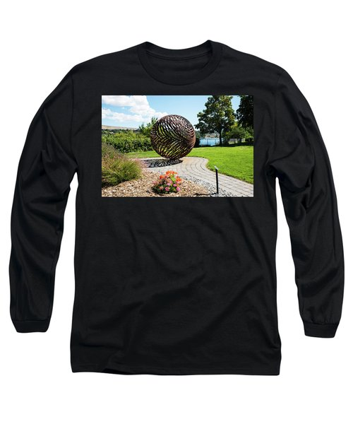 Latticed Iron Ball With Shadow Long Sleeve T-Shirt