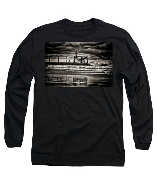 Lighthouse Reflections In Black And White Long Sleeve T-Shirt