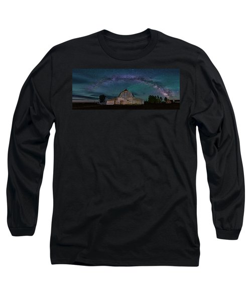Milky Way Arch Over Moulton Barn Long Sleeve T-Shirt