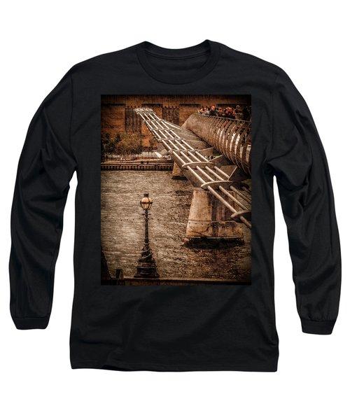 London, England - Millennium Bridge Long Sleeve T-Shirt