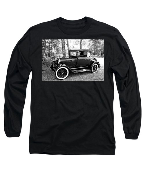Model A In Black And White Long Sleeve T-Shirt