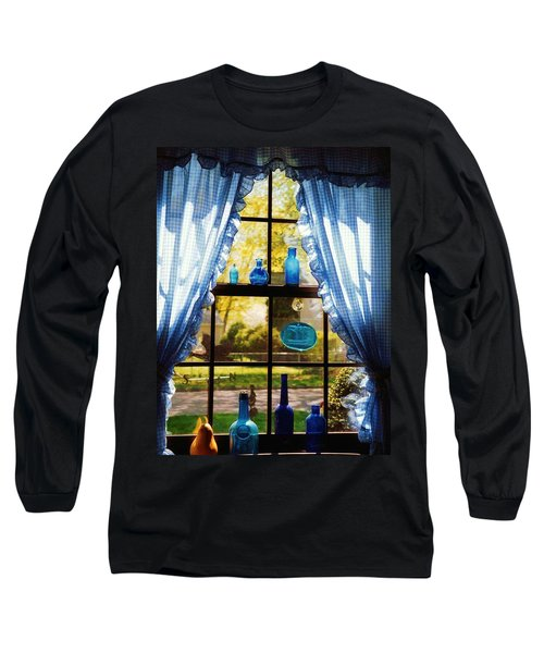 Mom's Kitchen Window Long Sleeve T-Shirt