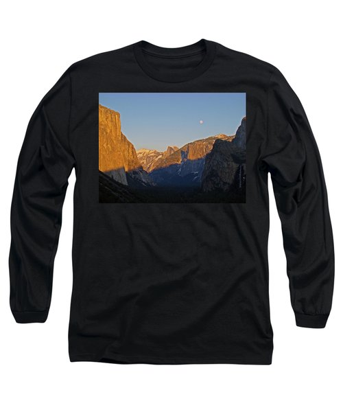 Long Sleeve T-Shirt featuring the photograph Moonrise by Walter Fahmy