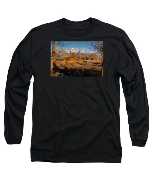 Long Sleeve T-Shirt featuring the photograph Moulton Barn by Gary Lengyel