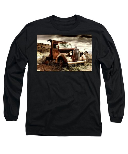 Old Ford Truck In Desert Long Sleeve T-Shirt