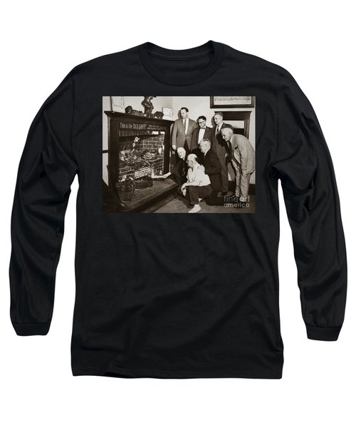 Old Grate That First Burned Anthracite Coal Successfully In The Old Fell House Wilkes Barre Pa Long Sleeve T-Shirt