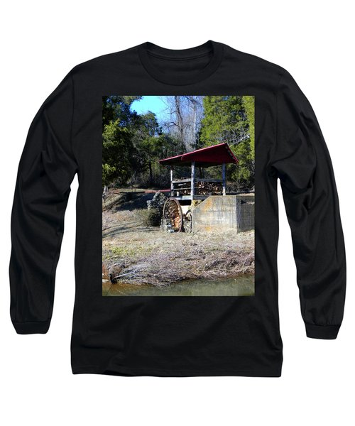 Long Sleeve T-Shirt featuring the photograph Old Mill Of Guilford Pumphouse by Sandi OReilly