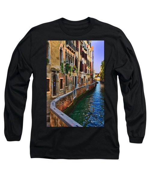 On The Canal-venice Long Sleeve T-Shirt by Tom Prendergast