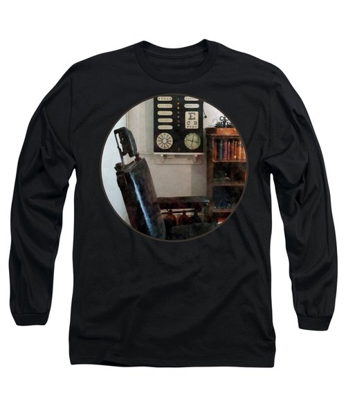 Optometrist - Eye Doctor's Office With Eye Chart Long Sleeve T-Shirt by Susan Savad