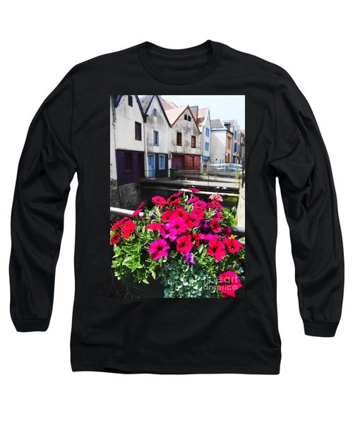 Petunias Of Amiens Long Sleeve T-Shirt by Therese Alcorn