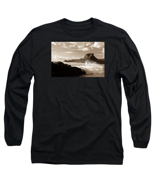 Piha New Zealand Waves Long Sleeve T-Shirt by Yurix Sardinelly