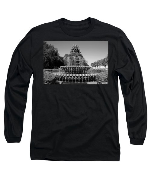 Pineapple Fountain Charleston Sc Black And White Long Sleeve T-Shirt