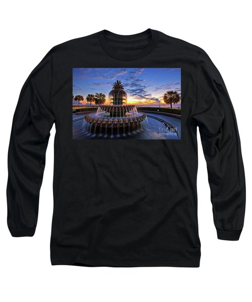 The Pineapple Fountain At Sunrise In Charleston, South Carolina, Usa Long Sleeve T-Shirt by Sam Antonio Photography