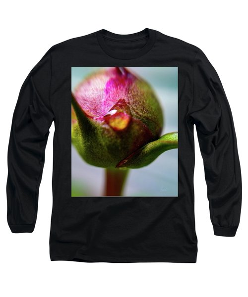 Raindrop On Peonie Long Sleeve T-Shirt