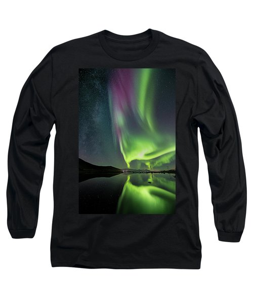 Red Auroras And A Faint Milky Way Long Sleeve T-Shirt