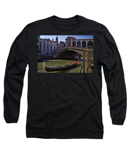 Rialto Bridge In Venice Italy Long Sleeve T-Shirt by David Smith