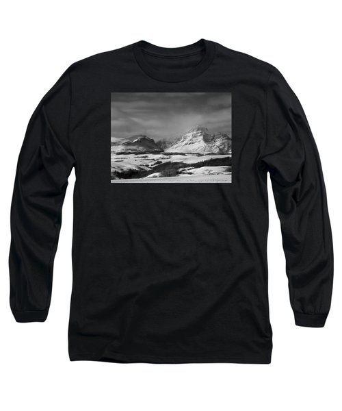 Rising Wolf Mountain- Winter - Black And White Long Sleeve T-Shirt