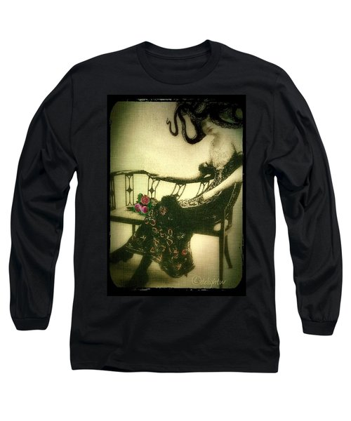She Wore An Octopus On Her Head For A Hat Long Sleeve T-Shirt