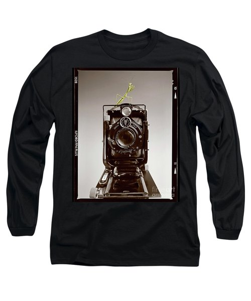 Long Sleeve T-Shirt featuring the photograph Shutterbug Mantis by Martin Konopacki