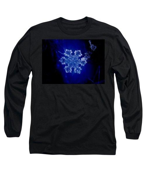 Snowflake On Blue Long Sleeve T-Shirt