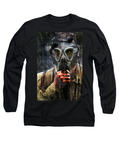 Soldier In World War 2 Gas Mask Long Sleeve T-Shirt