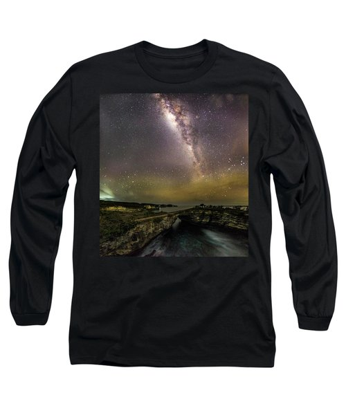 stary night in Broken beach Long Sleeve T-Shirt
