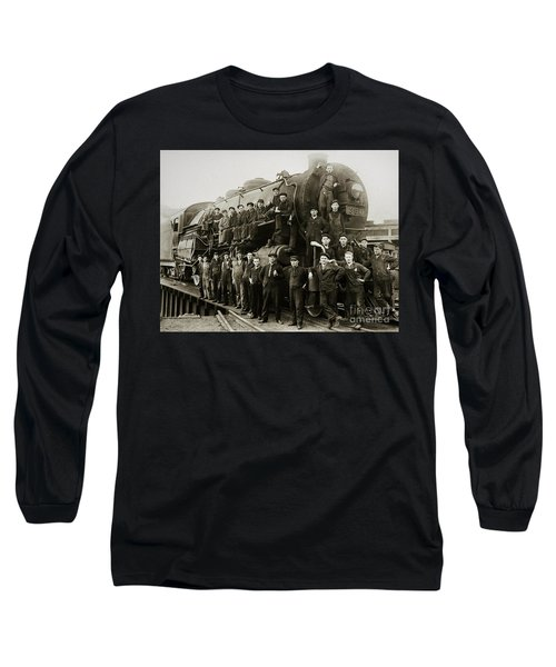 Steam Engine 351 On Turntable Coxton Yards Coxton Pennsylvania Early 1900s Long Sleeve T-Shirt