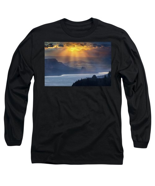 Sun Rays Over Columbia River Gorge During Sunrise Long Sleeve T-Shirt