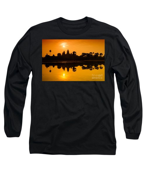 Long Sleeve T-Shirt featuring the photograph Sunrise At Angkor Wat by Yew Kwang