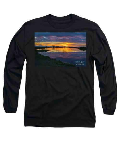 Sunrise At The Merced National Wildlife Refuge Long Sleeve T-Shirt