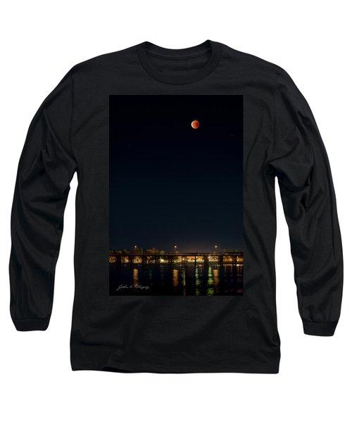 Super Blood Moon Over Ventura, California Pier Long Sleeve T-Shirt
