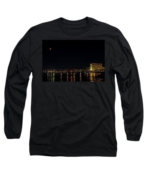 Super Blue Blood Moon Over Ventura, California Pier  Long Sleeve T-Shirt