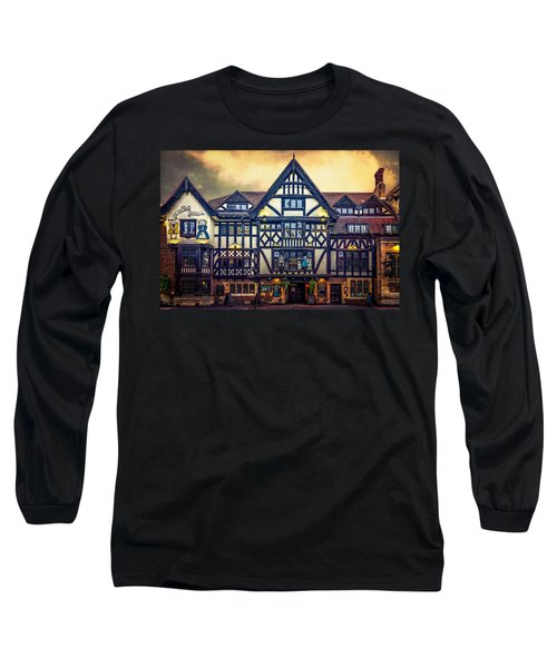 Long Sleeve T-Shirt featuring the photograph The King And Queen by Chris Lord