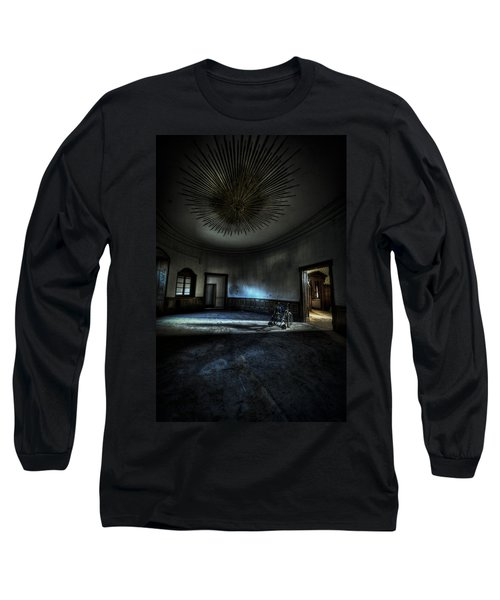 The Oval Star Room Long Sleeve T-Shirt by Nathan Wright