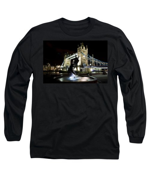 Tower Bridge With Girl And Dolphin Statue Long Sleeve T-Shirt