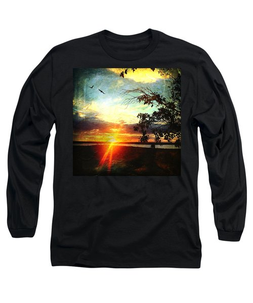 Two Souls Flying Off Into The Sunset  Long Sleeve T-Shirt
