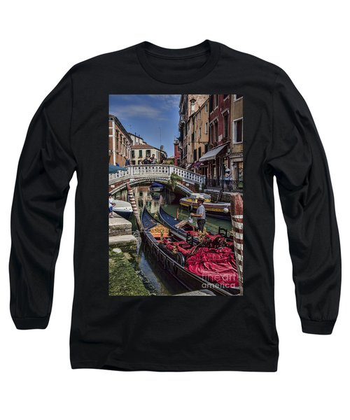 Long Sleeve T-Shirt featuring the photograph Venice Gondolier by Shirley Mangini