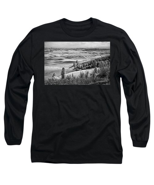 Long Sleeve T-Shirt featuring the photograph Wheatfields Of Kamiak Butte by Martin Konopacki