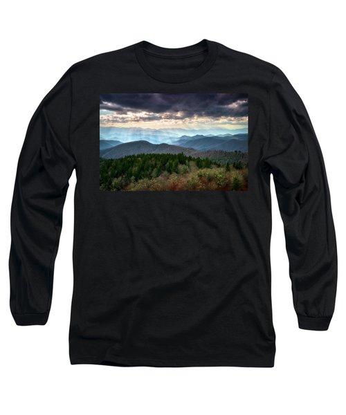 Blue Ridge Mountains Asheville Nc Scenic Light Rays Landscape Photography Long Sleeve T-Shirt