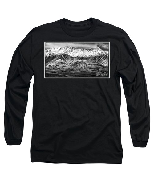 Polychrome Mountain, Denali National Park, Alaska, Bw Long Sleeve T-Shirt