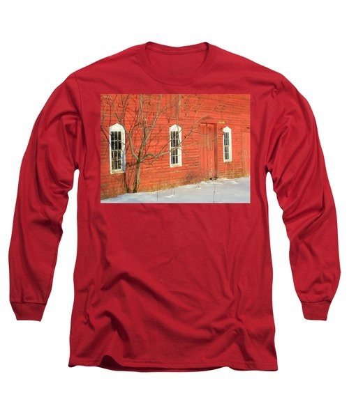 Long Sleeve T-Shirt featuring the photograph Barnwall In Winter by Rodney Lee Williams