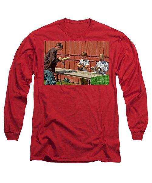 Children 4h Chicken Judging Art Prints Long Sleeve T-Shirt by Valerie Garner