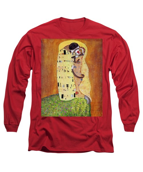Long Sleeve T-Shirt featuring the painting The Smooch by Randol Burns