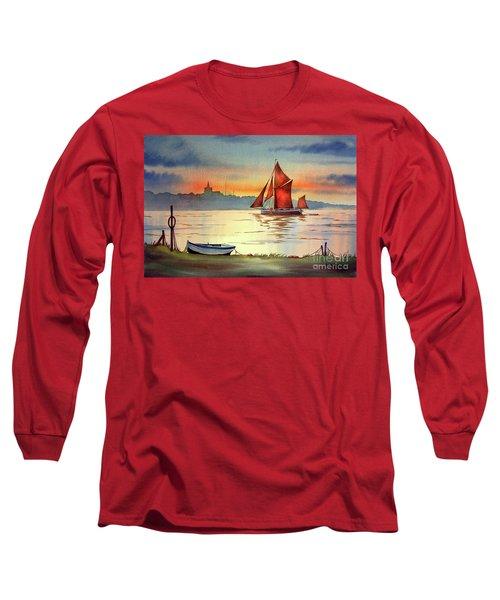 Thames Barge At Maldon Essex Long Sleeve T-Shirt