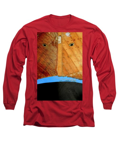 Long Sleeve T-Shirt featuring the photograph The Face by Pedro Cardona