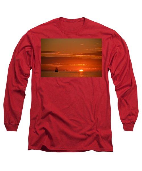 Christopher Columbus Replica Wooden Sailing Ship Nina Sails Off Into The Sunset Long Sleeve T-Shirt
